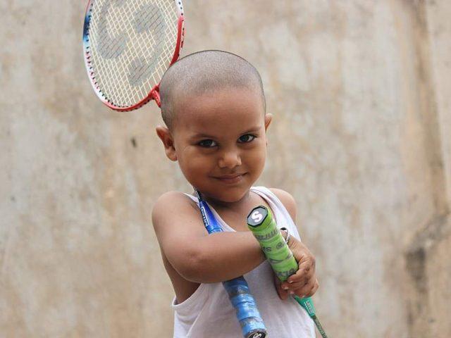 https://badmintonarmada.ro/wp-content/uploads/2020/03/badminton-boy-happy-preparation-rackets-play-640x480.jpg